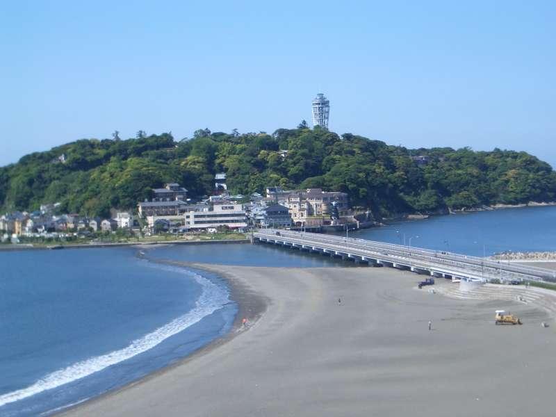 Enoshima, tied island near Kamakura.