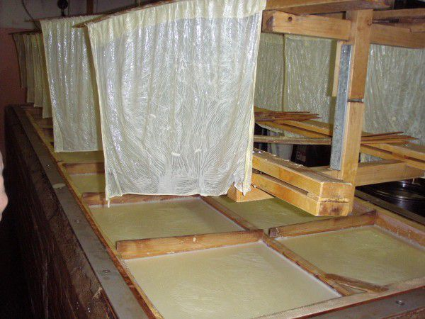 Yuba making process in the Nishiki market