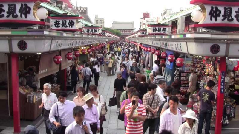 The origin of Asakusa temple goes back to the early part of 7 century, and it opened the way for the prosperity of the contemporary Tokyo.