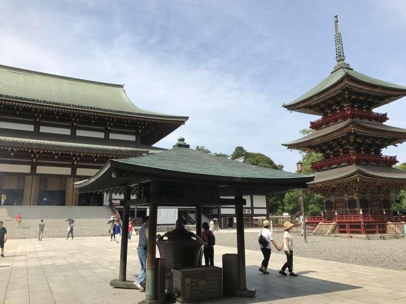 Naritasan Shinsho-ji Temple ( The Grand Main Hall and Three-Storied Pagoda )