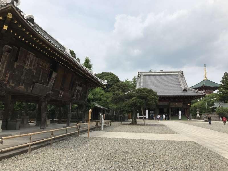Gaku-do Hall and Komyo-do Hall