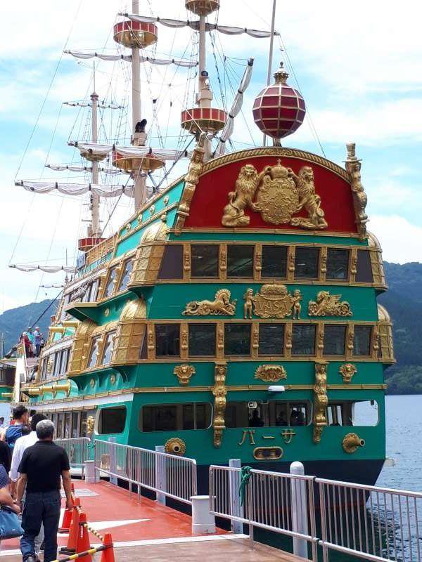 Quite enjoyable pirate ship cruising in Lake Ashi from Togendai pier