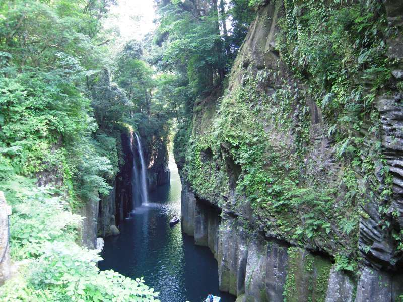 Beautiful Takachiho gorge. The spectacular steep walls of the Takachiho Gorge were formed by columnar jointing.