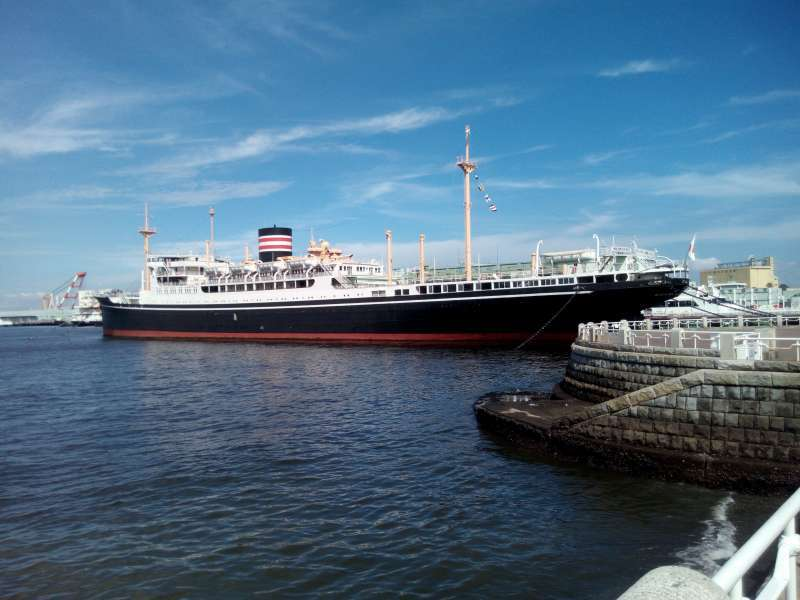 Hikawa Maru passenger ship, which was in service between Yokohama and Seattle. Charlie Chaplain visited Japan by this ship.