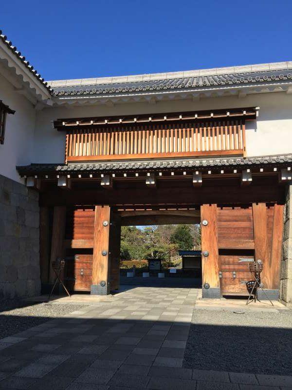 higashigomom gate at Sumpu castle park