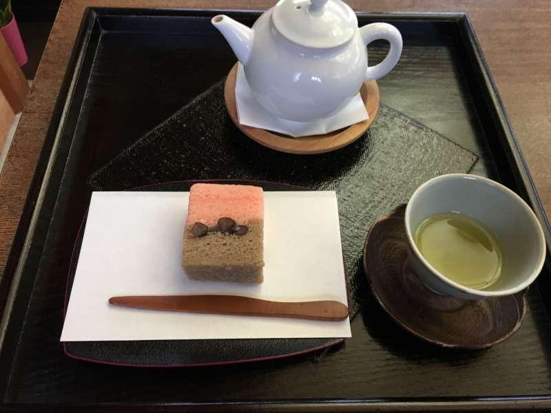 Japanese green tea with sweets at Momijiyama teien garden tea room