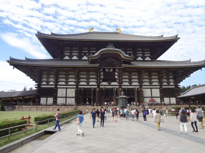 The Great Budda Hall of Todaiji Temple (National Treasure, 1709)
