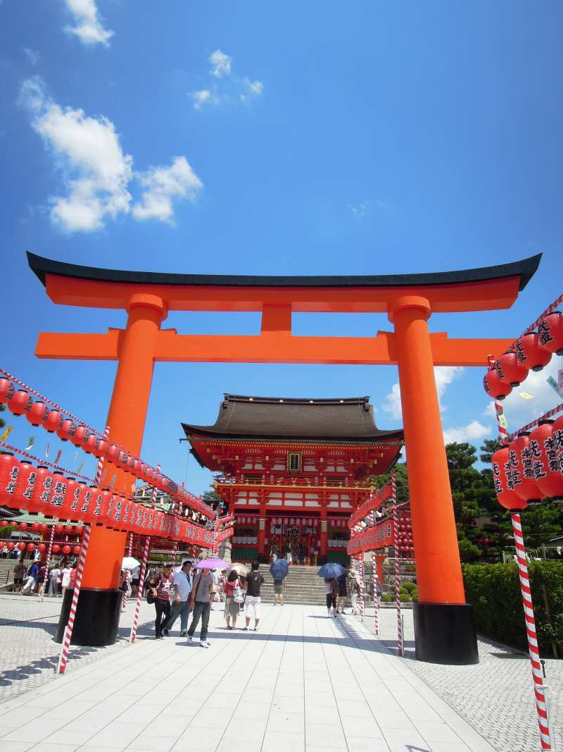 Fushimi Inari Grand Shrine, the headquarters of more than 30,000 inari shrines, which enshrine a deity of rice harvest.
