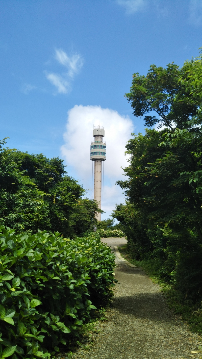 Panorama Tower, slowly rotates and goes up to the top.  You can enjoy the panoramic view.