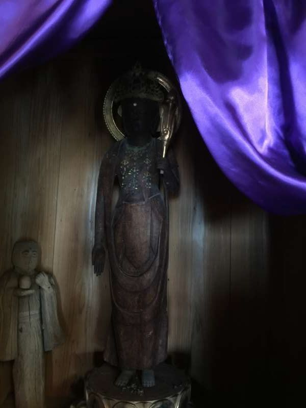 [Mar.] Statue of the Deity of Mercy at Koyasu Temple Hall (2 of 2)