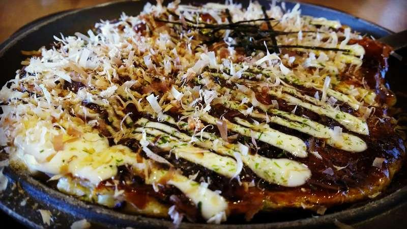 OKONOMIYAKI, local pancake