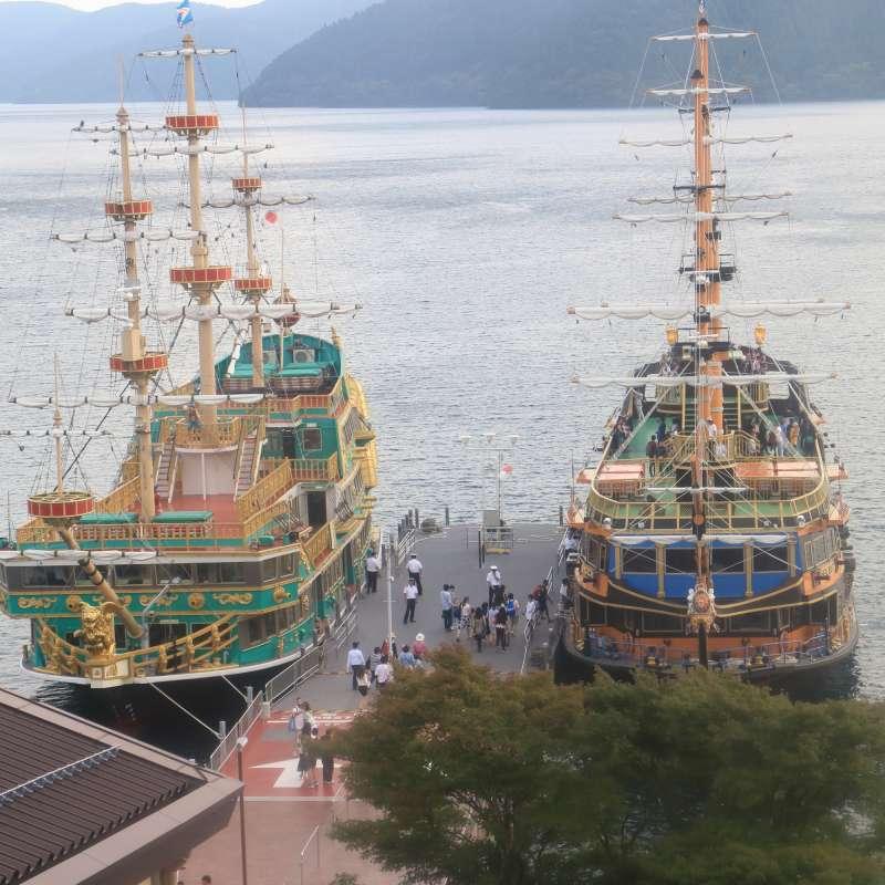 Lake Ashi cruising by Pirate's ship
