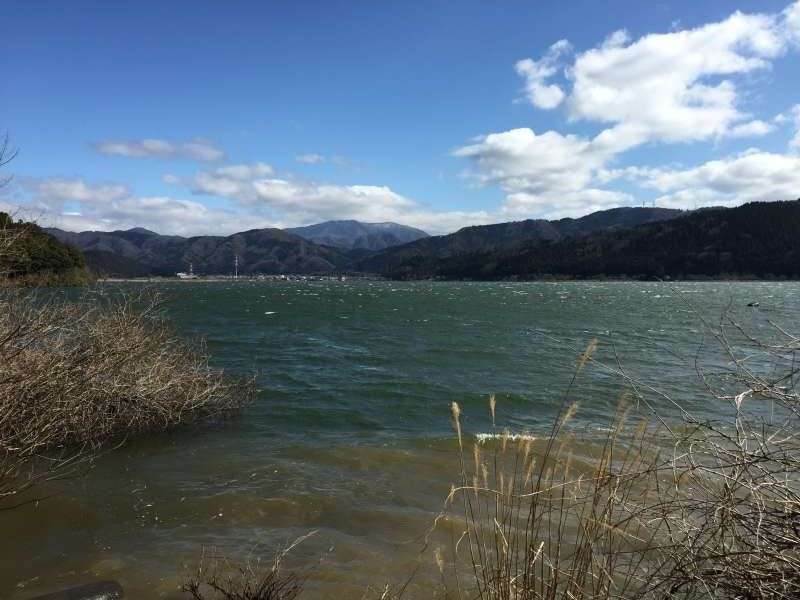 [Mar.] Lake Yogo in Early Spring