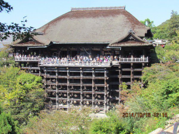 The main hall at Kiyomizu Temple