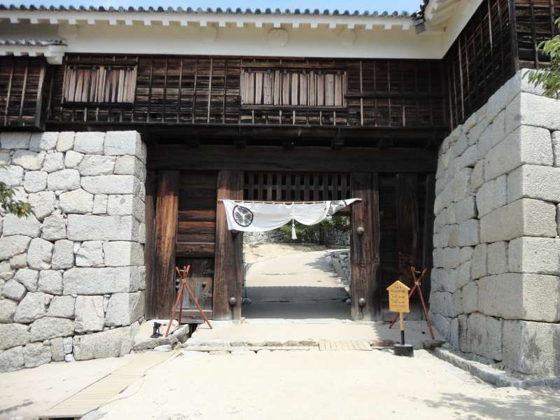Tsutsui-mon Gate. One of the most important defense points.