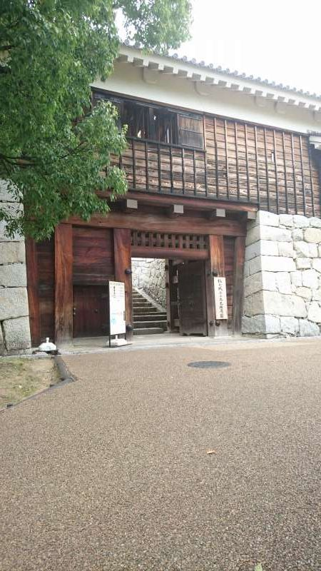 The entrance of the second keep, where the administrative office and the feudal lord residence were located in the Edo period. It is now Ninomaru Historical Garden.