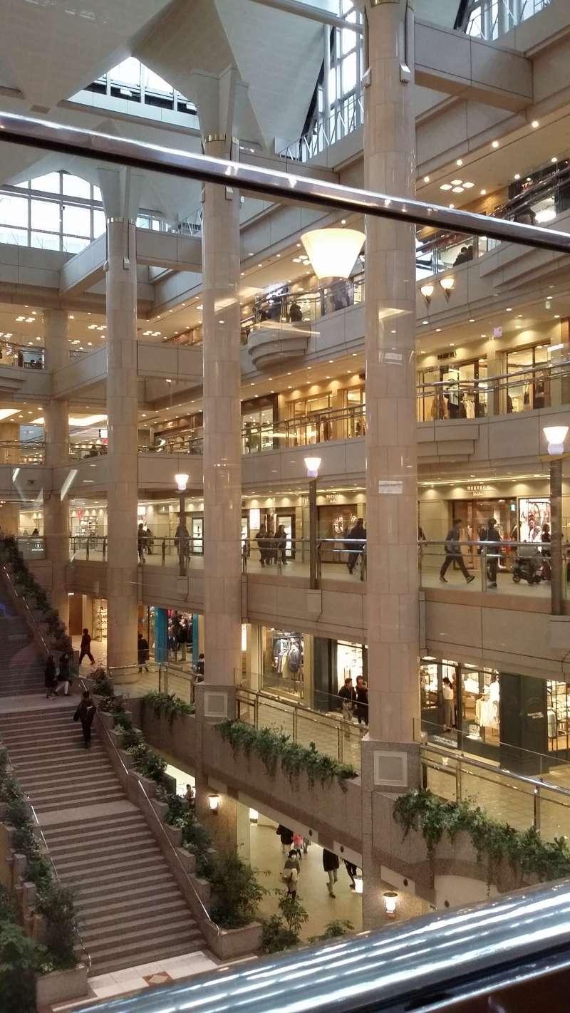 Landmark Tower (Shopping Area)