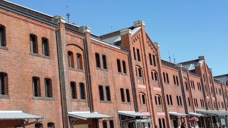 Red Brick Warehouse(Inside is the shopping center)