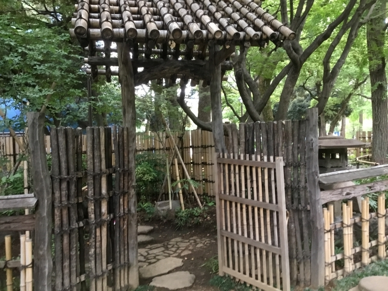 A traditional Japanese style garden at the background of Yokohama Stadium. It was built to commemorate the prostitution place which was burnt by the big fire.