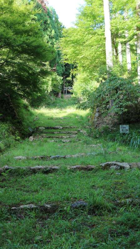 The Path towards the Ruin of Hokkeji-temple (法華寺), Which Used to Play a Leading Role among 102 Temples about 1,200 Years Ago [1 of 2]