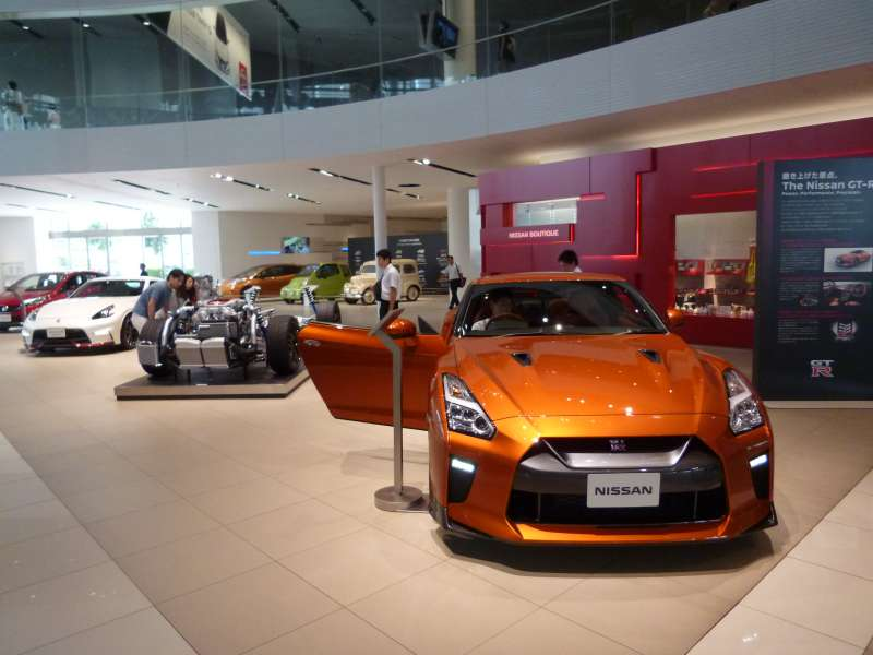 Nissan Gallery (#5)