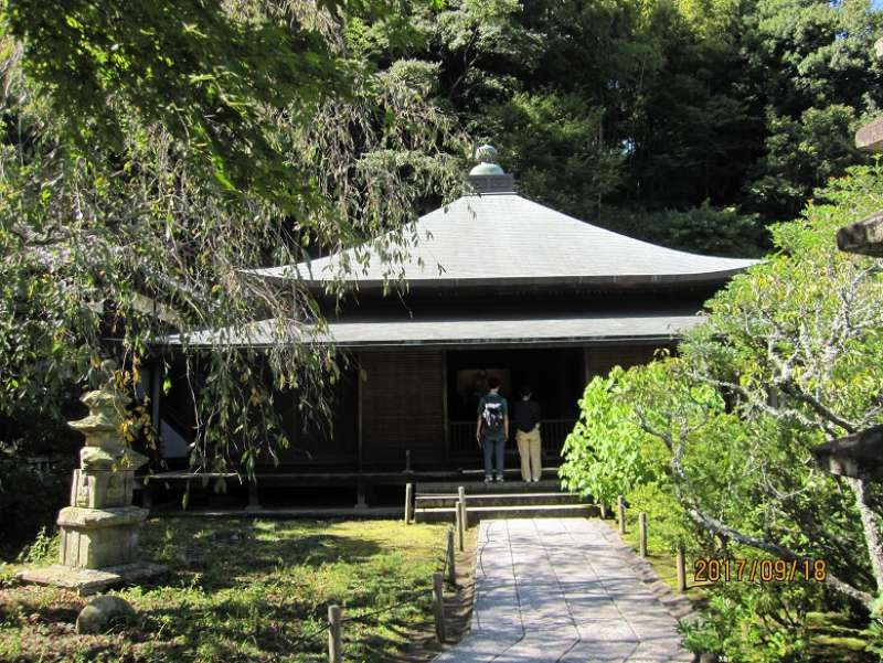 Tokei-ji temple:Its founder is the wife of Hojo Tokimune.