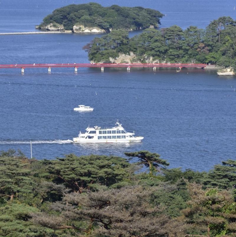 The beautiful scenery of Matsushima Bay. You can enjoy cruising by sightseeing boat.