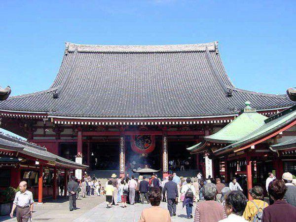 Sensou-ji temple in Asakusa. Asakusa is interesting area.