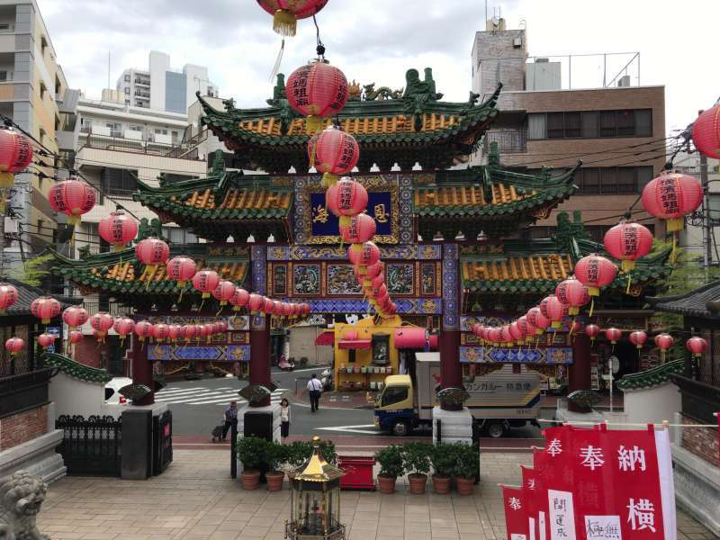 1.Masobyo in Chinatown, where you can feel unique atmosphere of the beautiful Chinese temple in Japan