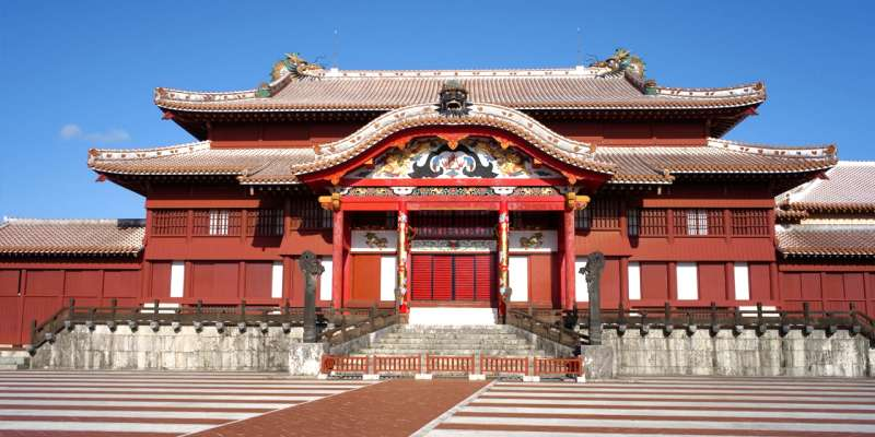 Shuri castle was rebuilt in 1992. Once you see this castle, you will know the Ryukyu kingdom was independent country.