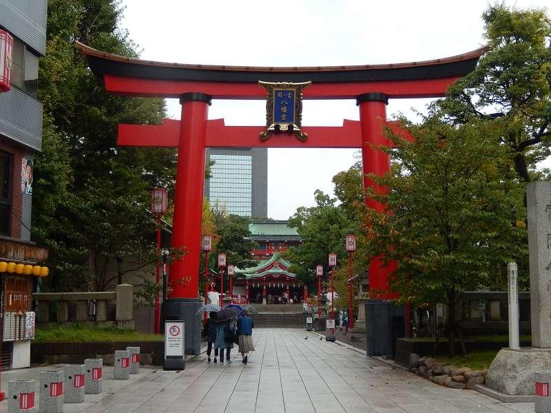 The entrance of Tomioka Hachimangu shrine