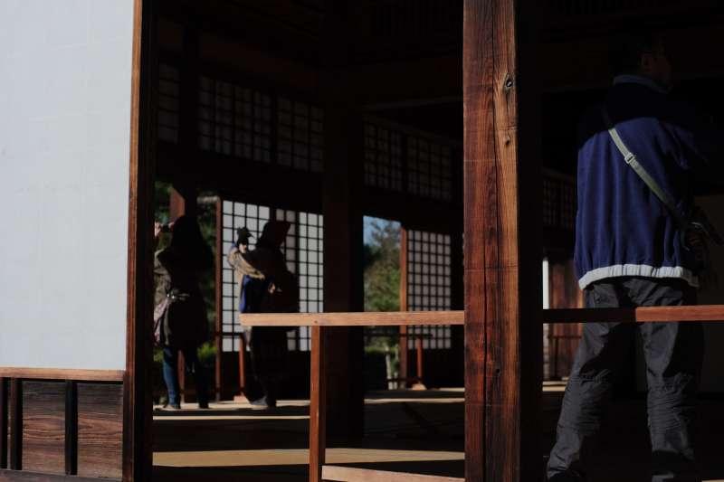 Touring the inside of the Ninomaru Palace