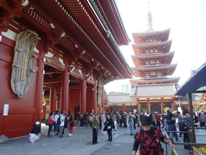 Hozomon Gate( Gate of Treasure) and Five-storied Pagoda in Asakusa