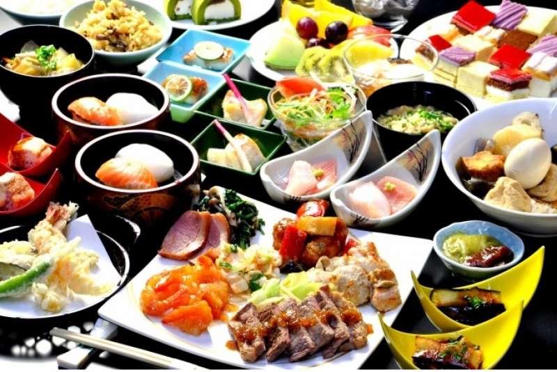 Lunch buffet at Hotel Okada.