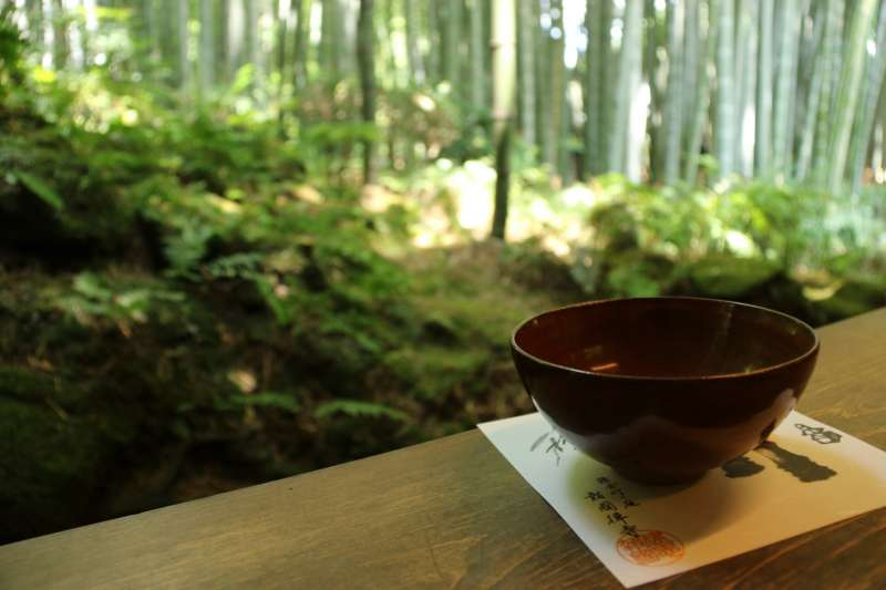 Take a matcha in the bamboo grove of Houkokuji