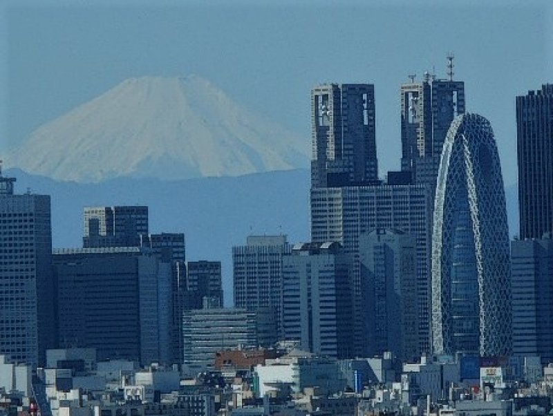 Sometimes you can see Mount Fuji from Tokyo.  (Oct. 21, 2018)
