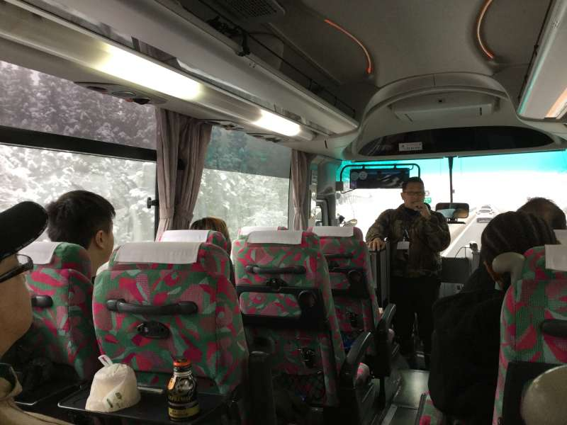 The half-day bus tour for foreigners to Shirakawago