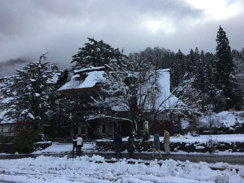 A 400 years old temple in Shirakawago