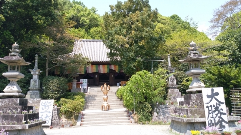 The main hall of Ishite-ji Temple, the 51st of the 88 temples on Shikoku Pilgrimage route.