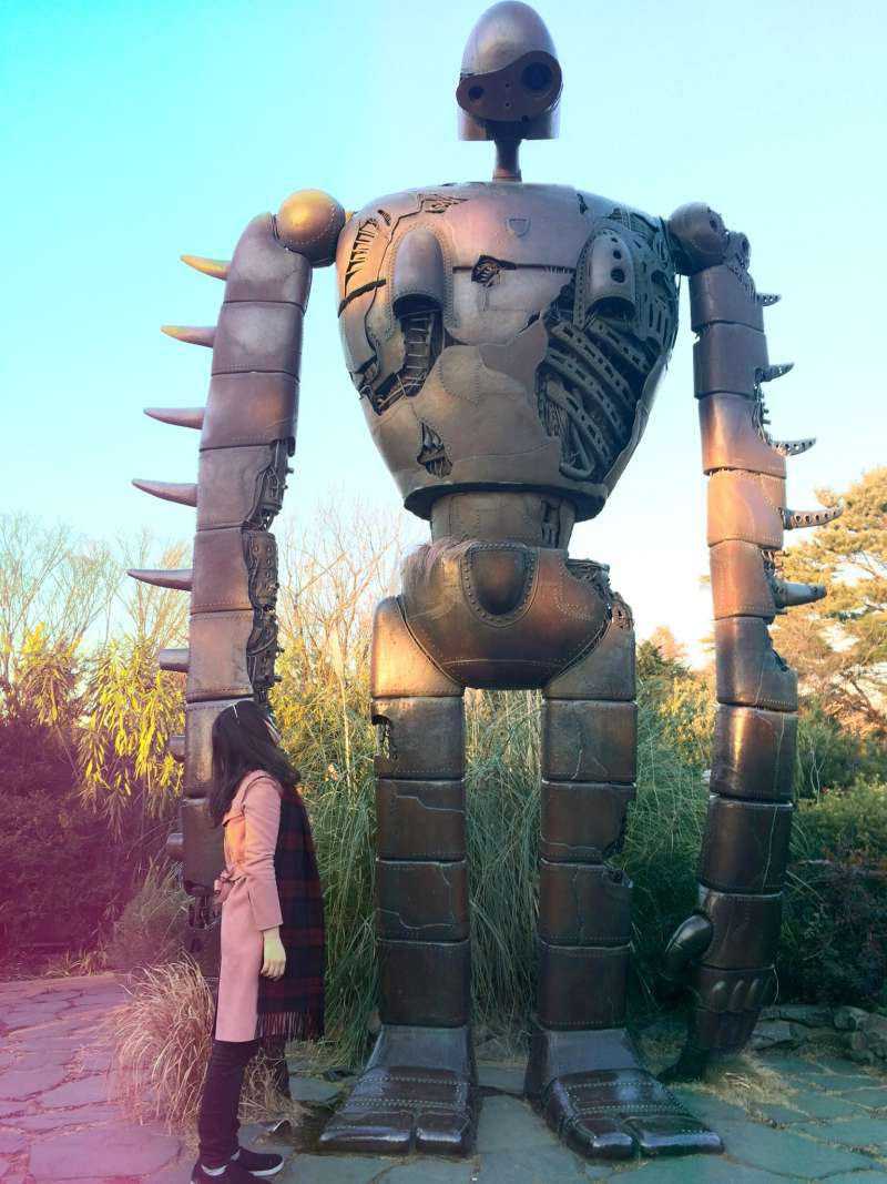 !宮崎駿吉卜力美術館裡的巨神兵!我只到他的大腿~