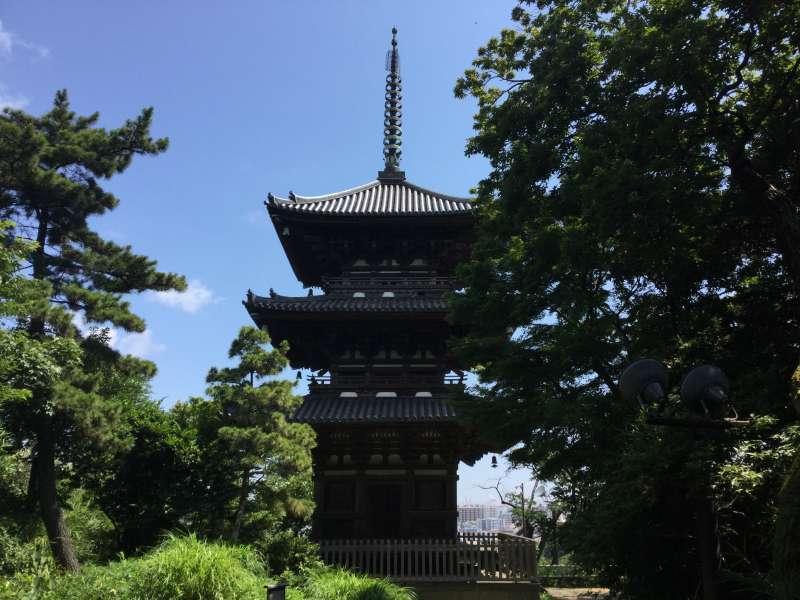 Sankei-En Japanese garden (Three story pagoda built in 1457)