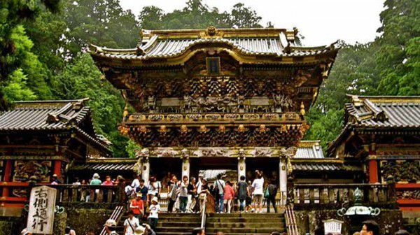World Heritage site Toshogu. It is just stunning!!