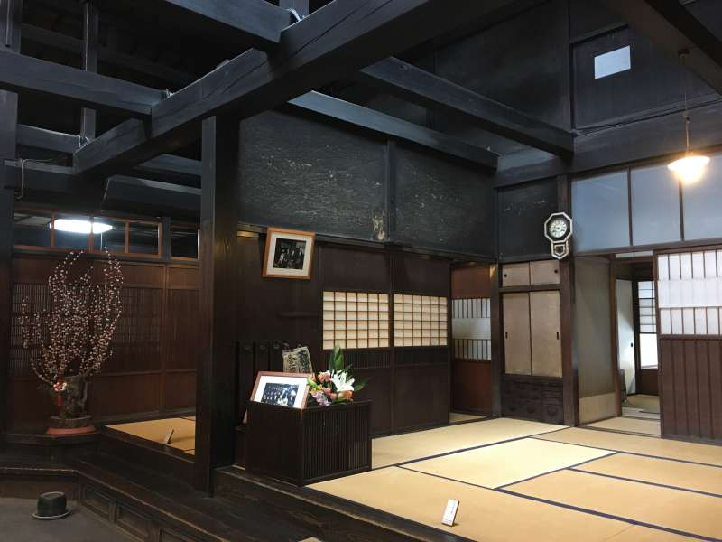Takayama is well known for its traditional sake producing. The buildings of sake breweries are more than 100years old. You can even enjoy the atmosphere of the old buildings.