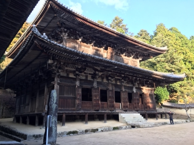 Daikodo (Great Lecture Hall) was constructed in 986 and used to be a training center for young Buddhist monk trainees. The present building was reconstructed in 1956.