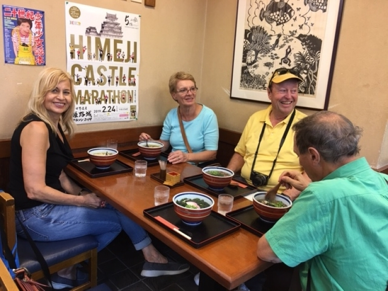 Lunch time!! Nice couples exploring Udon at a udon restaurant in the castle town