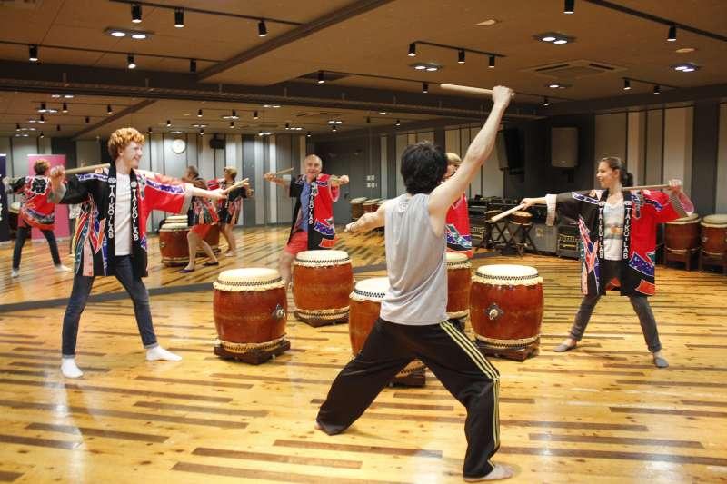 Wa-daiko (Japanese Style Drums) experience