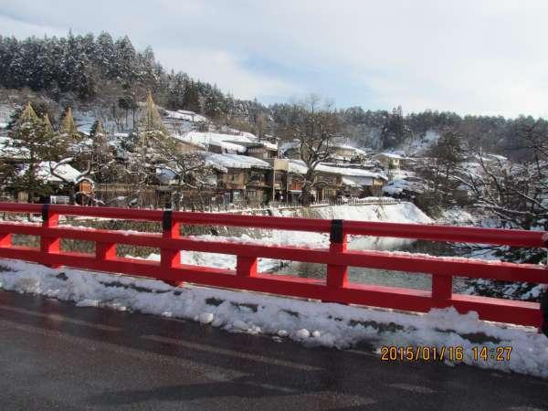Naka Bridge in front of Takayama Jinya