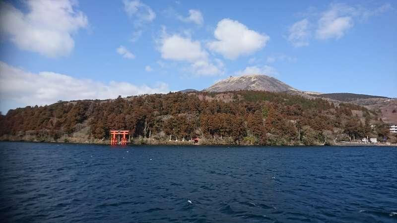 Mt. Komagatake, Hakone Shrine gate from the water