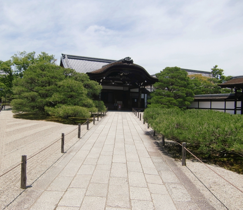 A tranquil area to visit after seeing the Golden Pavilion. You can forget about busy life here.