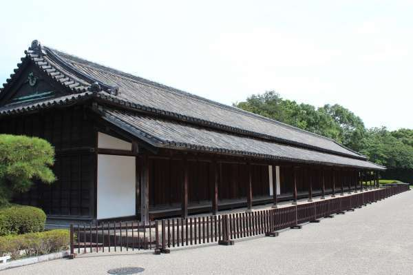 5. Hyakunin Guardhouse where 100 Doshin and 20 Yoriki worked to guard the castle.